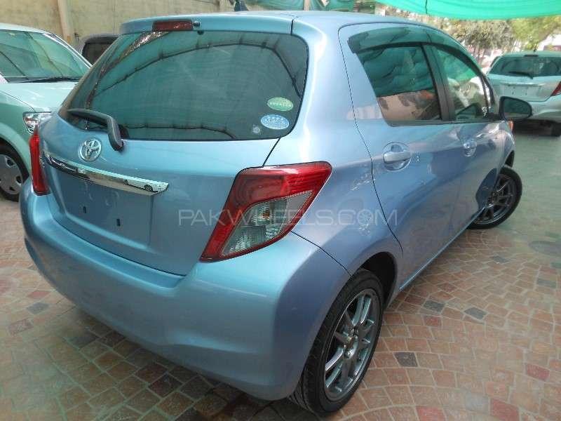 Toyota Vitz F 1.0 2013 Image-4
