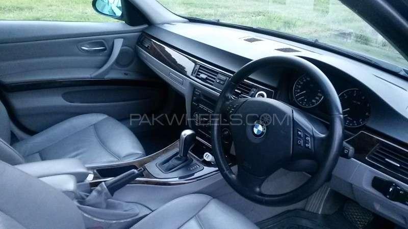 BMW 3 Series 320i 2005 Image-3