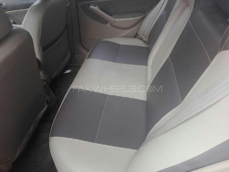 Honda Civic EXi 2005 Image-4