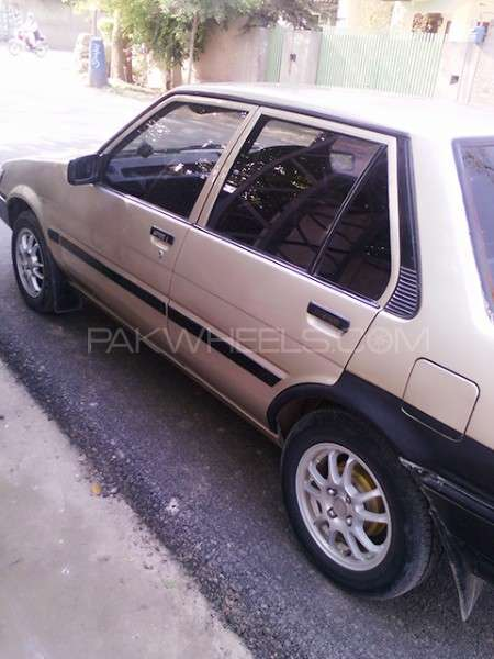 Toyota Corolla SE Saloon 1986 Image-4