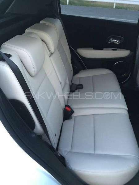 Honda Vezel Hybrid Z 2016 Image-7