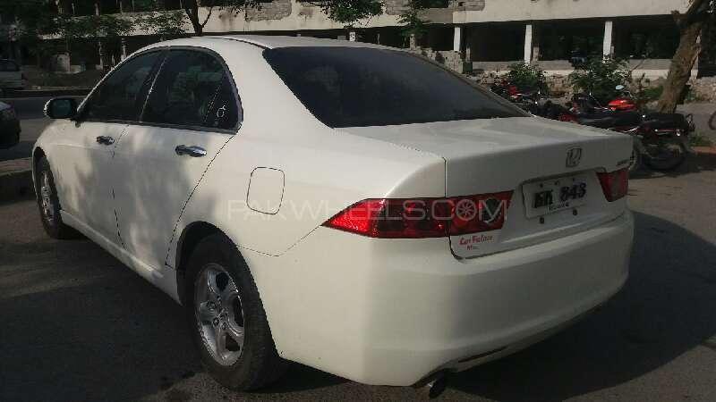 Honda Accord CL9 2004 Image-3