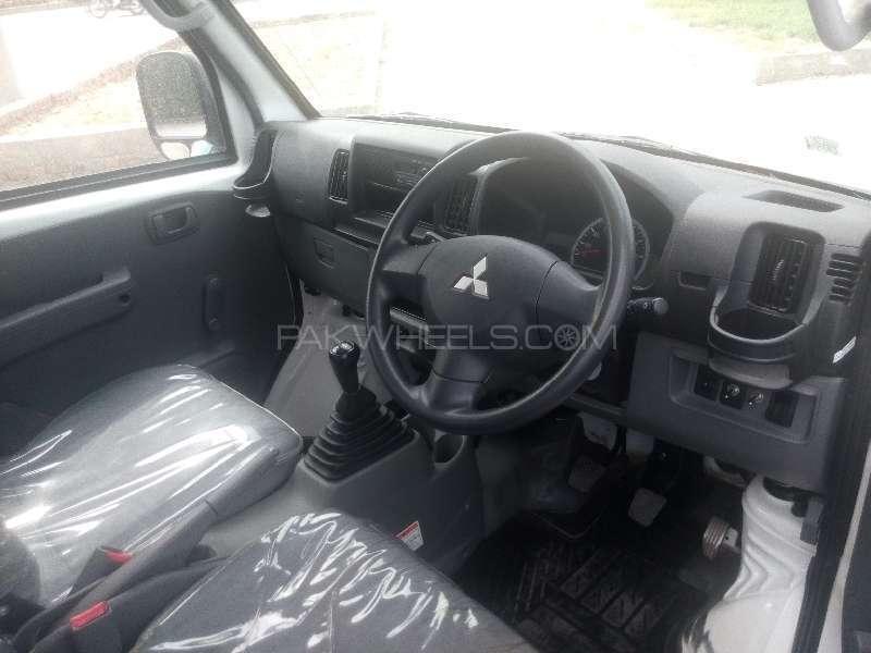 Mitsubishi Minicab Bravo 2011 Image-6