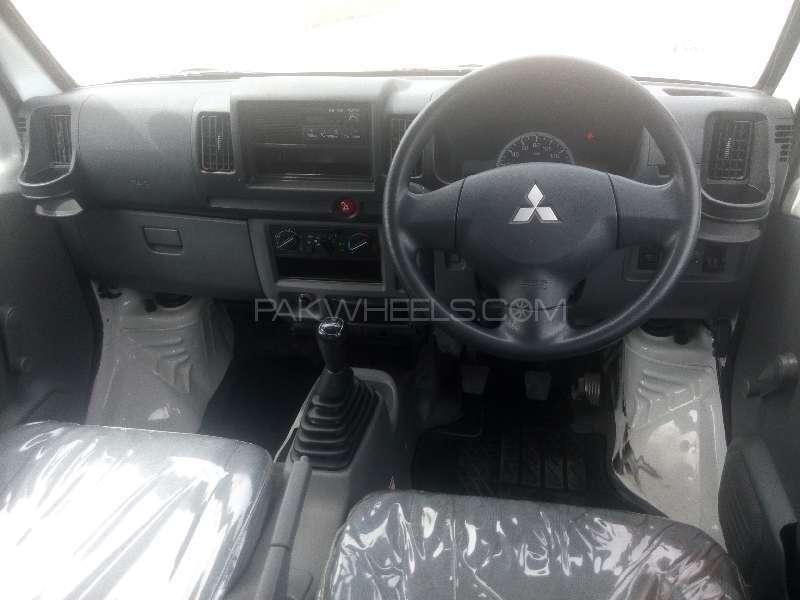 Mitsubishi Minicab Bravo 2011 Image-7