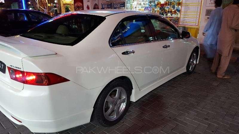 Honda Accord CL9 2004 Image-12