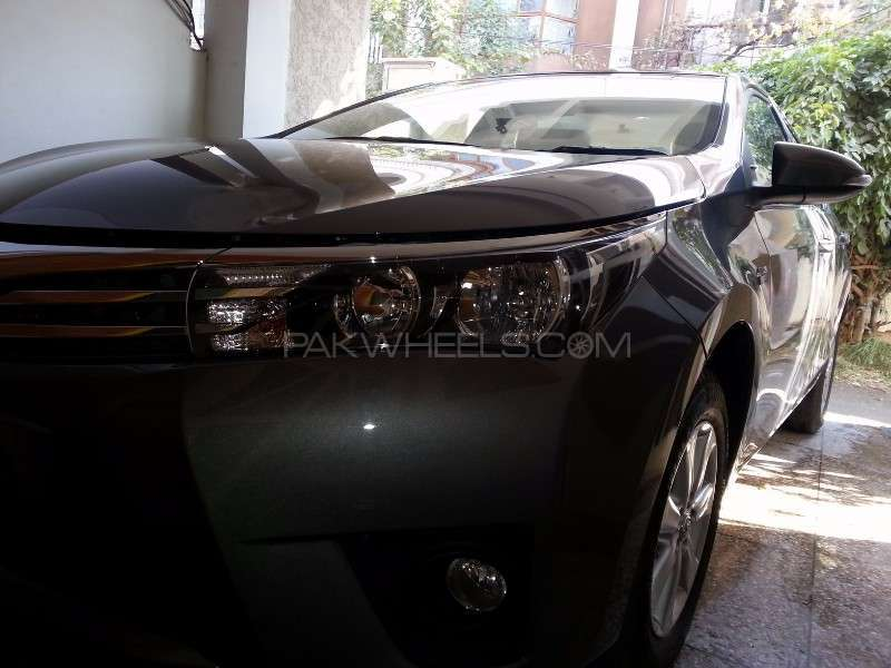 Toyota Corolla Altis Grande CVT-i 1.8 2014 Image-3