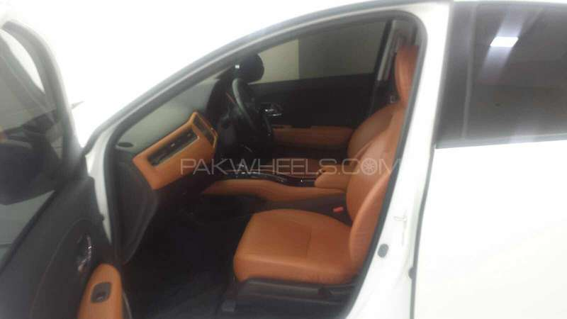 Honda Vezel seat covers available Image-1