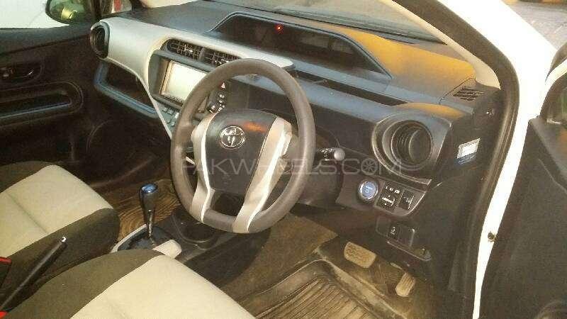 Toyota Aqua G 2013 Image-16