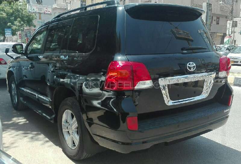 TOYOTA LAND CRUSIER 2012 AXG BLACK WITH BEIGE ROOM ORGNAL TV REDAR , 4.5  GRADE MODLESSTA BODY KIT  FRESH CLEARD ,