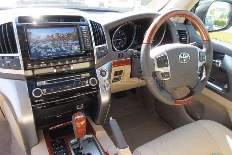 Toyota Land Cruiser ZX 2013 Image-12
