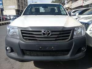 Slide_toyota-hilux-4x4-single-cab-standard-2015-11096585