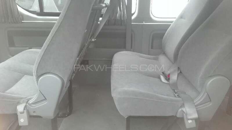 Toyota Hiace 2012 Image-8