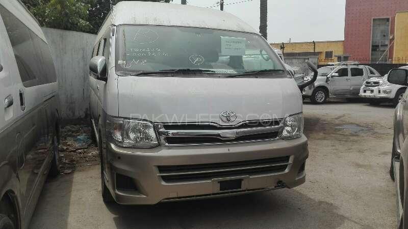 Toyota Hiace 2012 Image-1