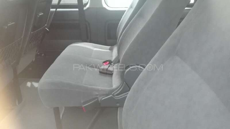 Toyota Hiace 2012 Image-6