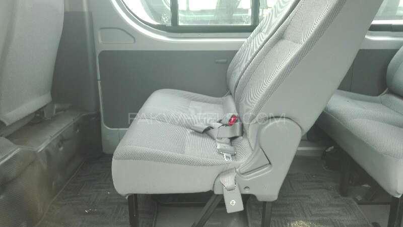 Toyota Hiace 2013 Image-5