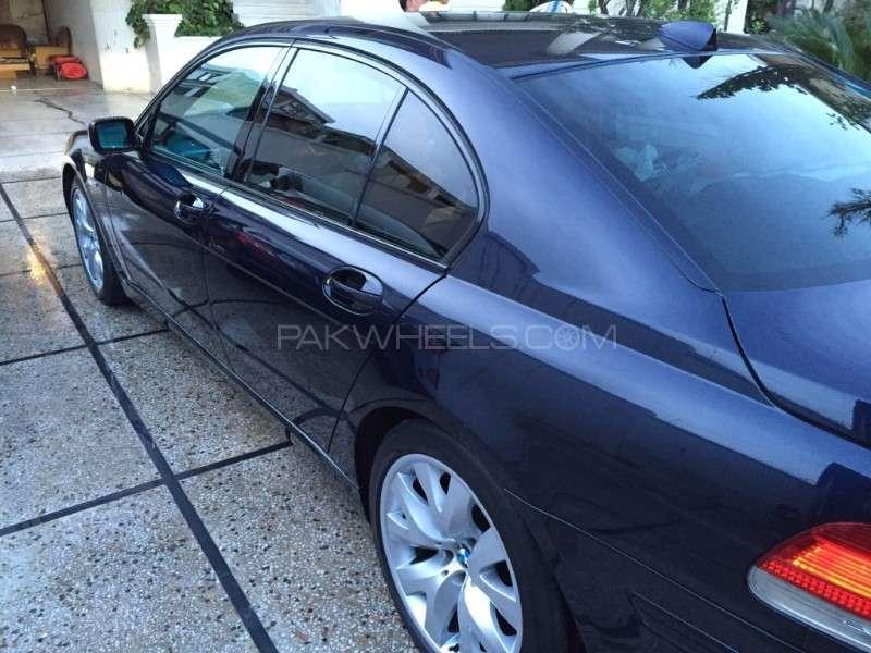 BMW 7 Series 2007 Image-3