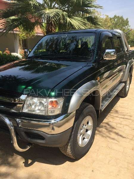 Toyota Hilux Double Cab 2001 Image-6
