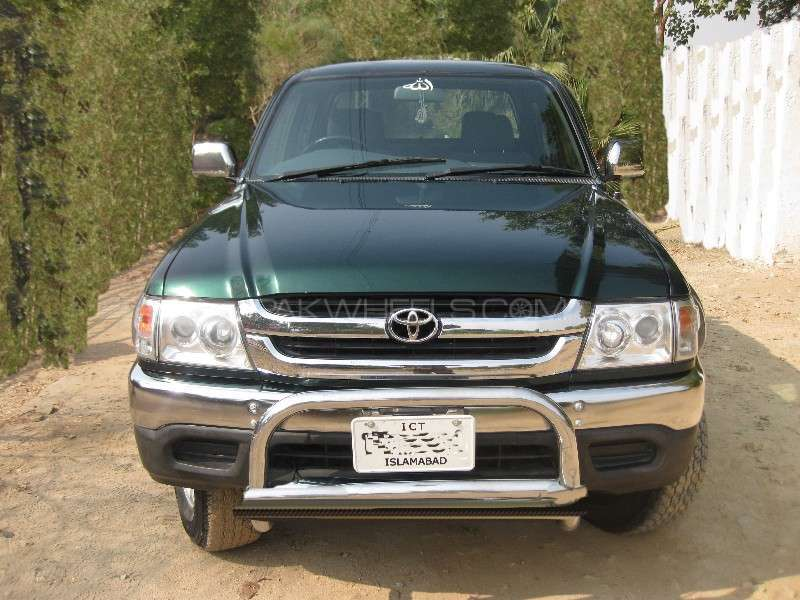 Toyota Hilux Double Cab 2001 Image-2