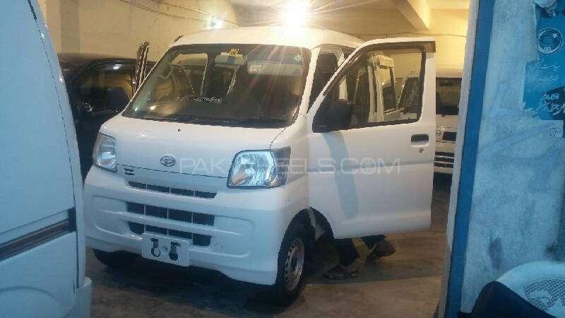 Daihatsu Hijet 2011 Image-2