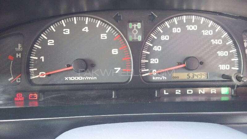 Toyota Hilux 1999 Image-7