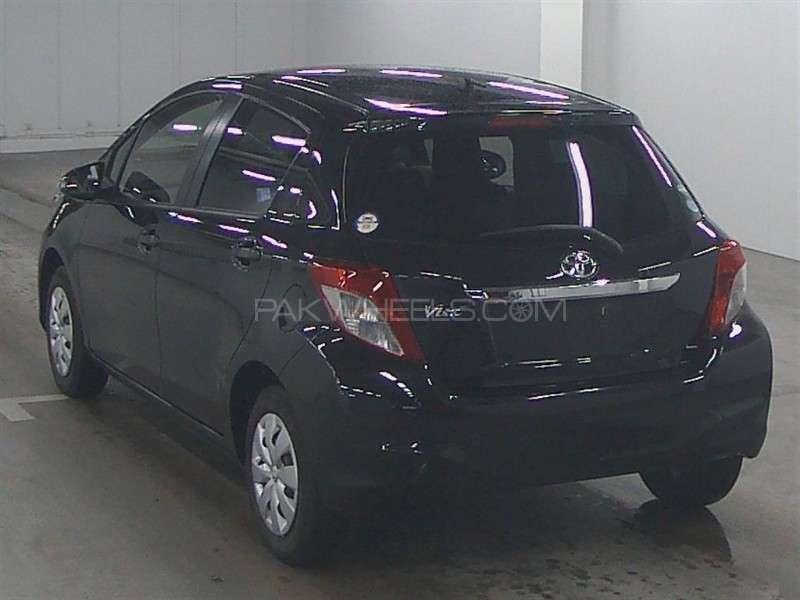 Toyota Vitz F 1.0 2013 Image-3