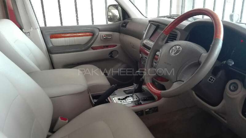 Toyota Land Cruiser Cygnus 2002 Image-10