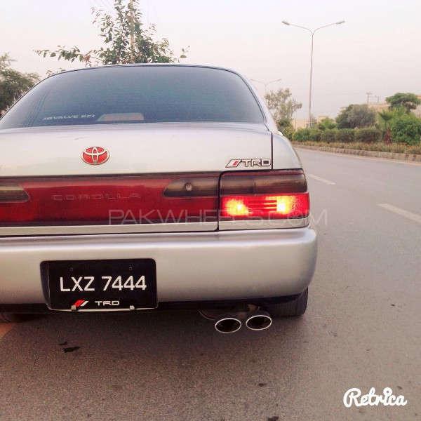 Toyota Corolla GLi Special Edition 1.6 2001 Image-7