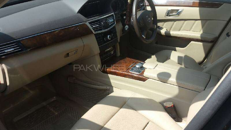 Mercedes Benz E Class E200 2012 Image-2