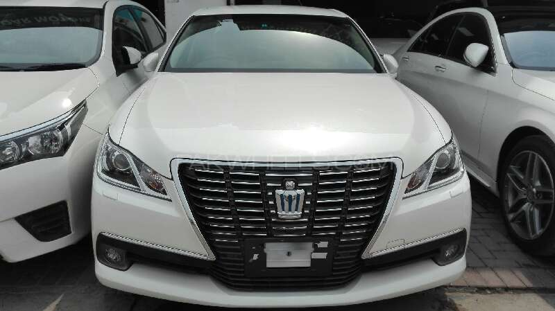 Toyota Crown Royal Saloon 2015 For Sale In Lahore Pakwheels