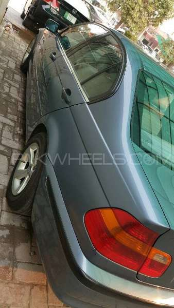 BMW 3 Series 316i 2004 Image-3