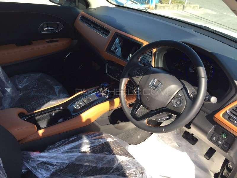 Honda Vezel S 2016 Image-7