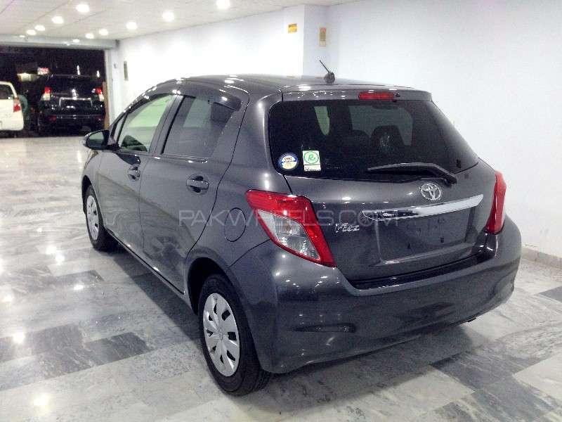 Toyota Vitz F Limited 1.0 2013 Image-5