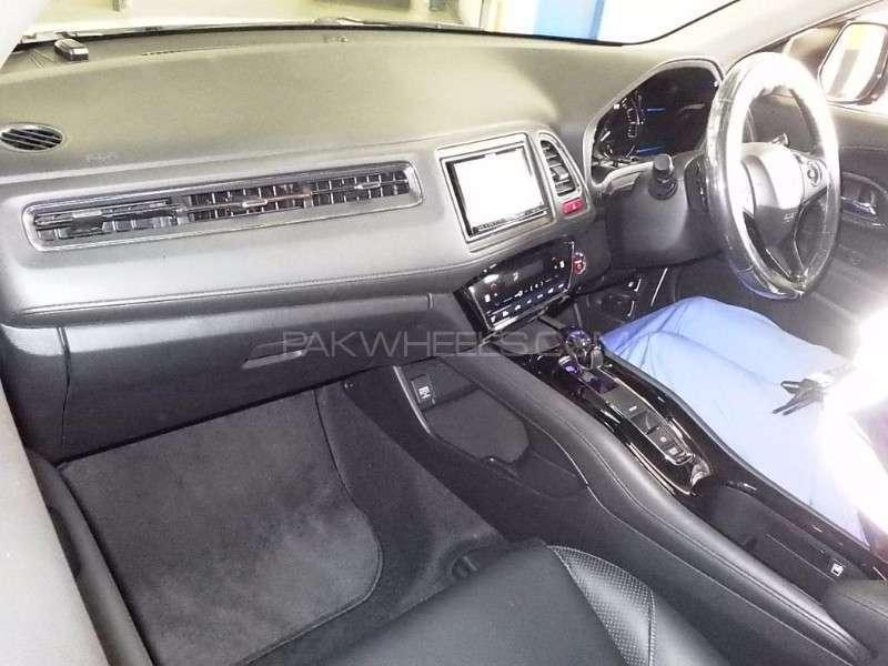 Honda Vezel G 2014 Image-3