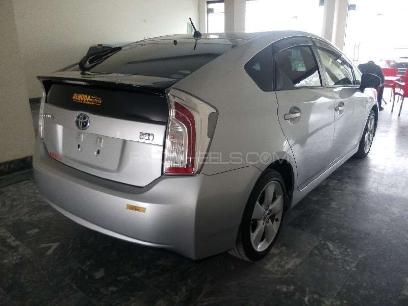 Toyota Prius S Touring Selection 1.8 2013 Image-5