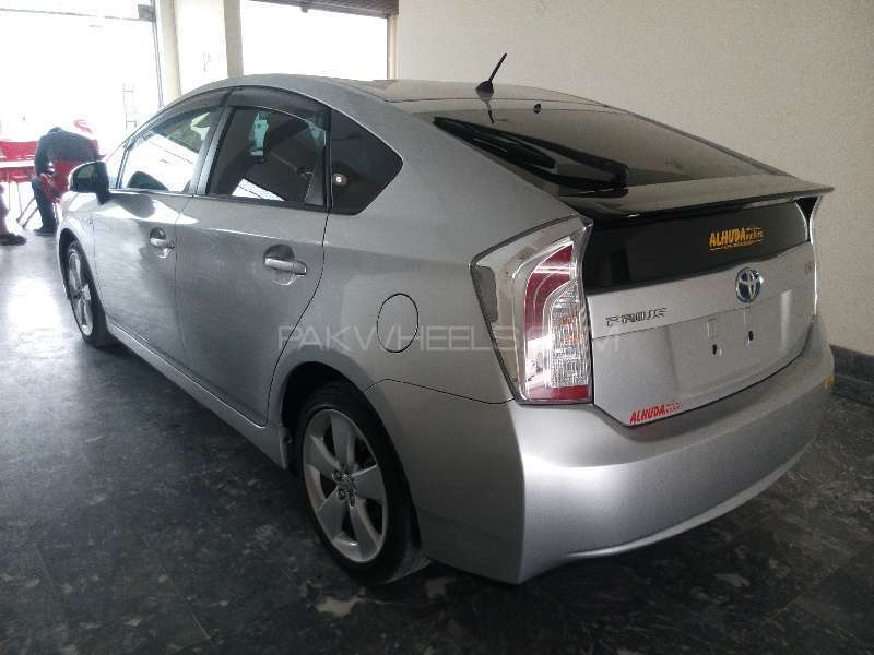Toyota Prius S Touring Selection 1.8 2013 Image-6