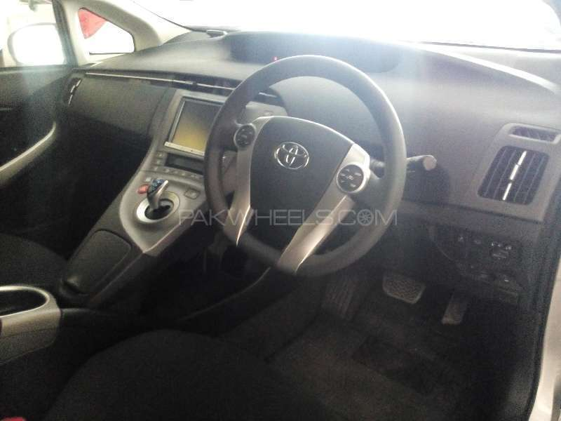 Toyota Prius S Touring Selection 1.8 2013 Image-7