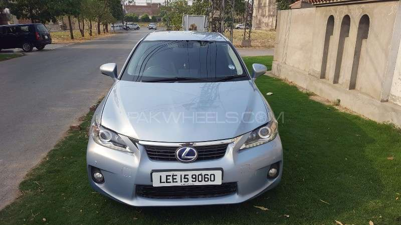 lexus ct200h f sport 2011 for sale in lahore pakwheels. Black Bedroom Furniture Sets. Home Design Ideas
