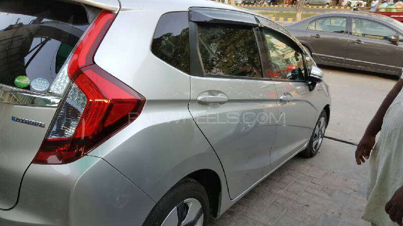 Honda Fit Hybrid Base Grade 1.5 2014 Image-3