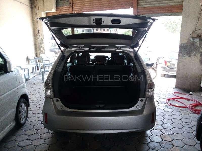 Toyota Prius Alpha G Touring 2012 Image-7