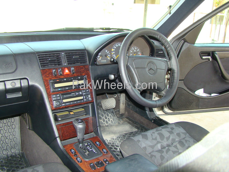 Mercedes Benz C Class C200 1998 Image-5