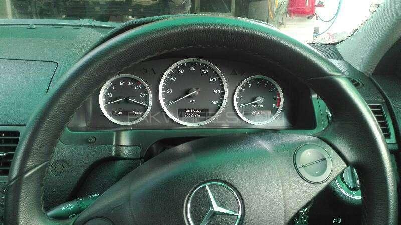 Mercedes Benz C Class C180 2009 Image-2