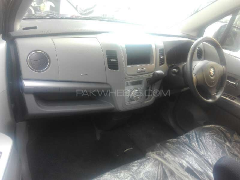 Suzuki Wagon R 2011 Image-3