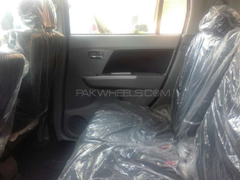 Suzuki Wagon R 2011 Image-4