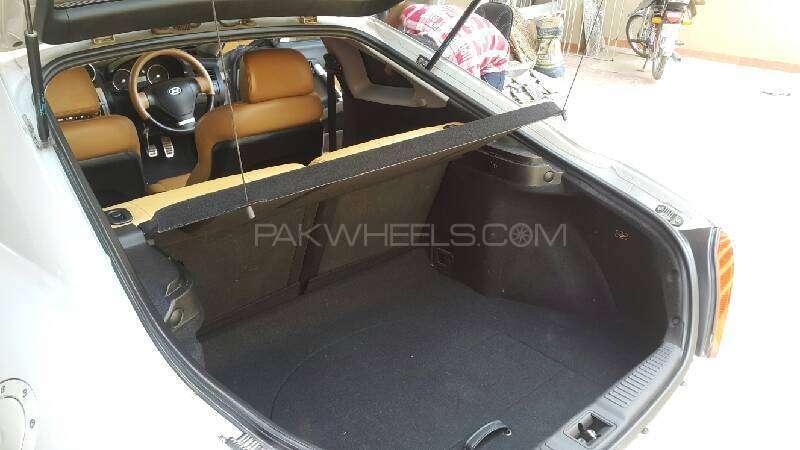 Hyundai Coupe 2.0L DOHC 2006 Image-2