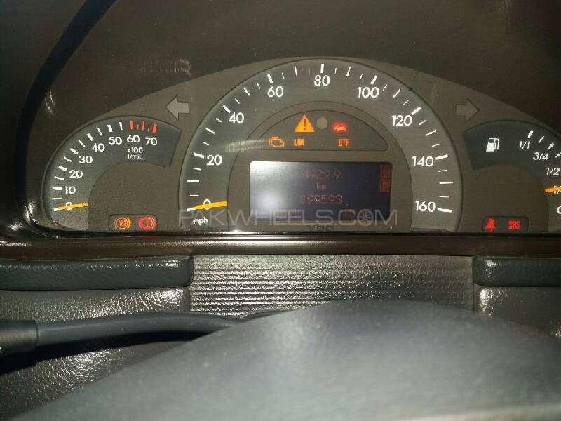Mercedes Benz C Class C180 2003 Image-10