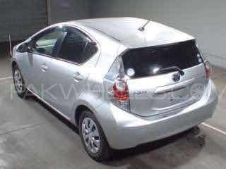 Toyota Aqua S 2013 Image-2