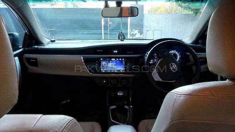 Toyota Corolla Altis Grande 1.8 2014 Image-16