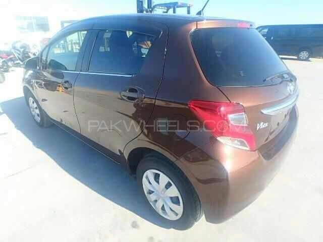 Toyota Vitz Jewela 1.0 2014 Image-2