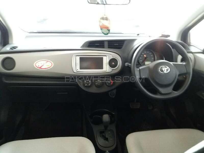 Toyota Vitz F Smile Edition 1.0 2013 Image-6