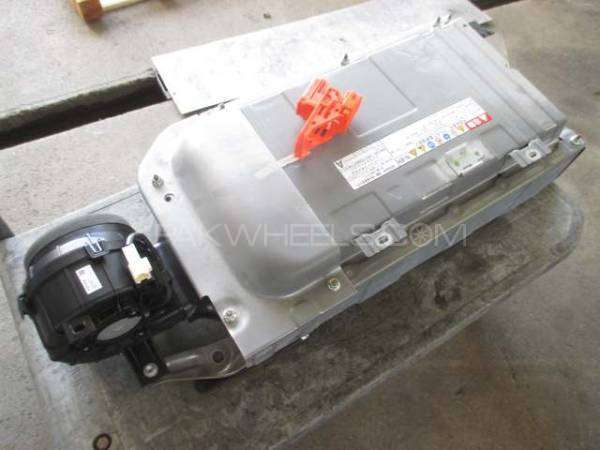 toyota aqua hybrid battery  Image-1